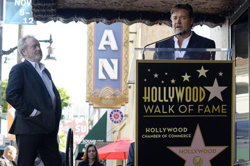 Russell Crowe Ridley Scott Is Honored with a Star on the Hollywood Walk of Fame