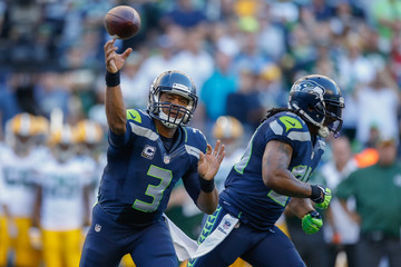 Russell Wilson Green Bay Packers v Seattle Seahawks