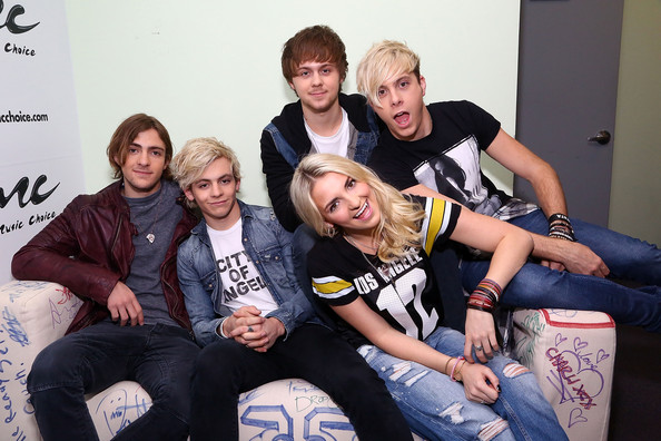 Rydell Lynch Photos Photos - R5 Visits Music Choice in NYC