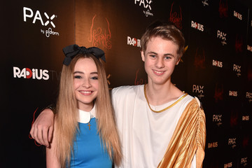Sabrina Carpenter Mitchell Kummen Pictures, Photos ...