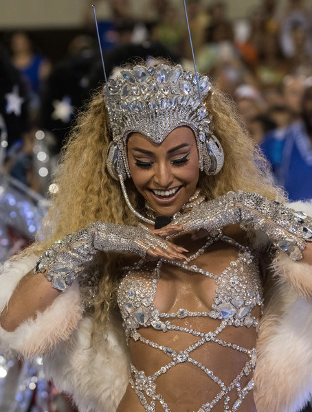 Sabrina Sato Photos Photos - 2017 Rio Carnival - Day 1 ...