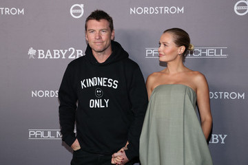 Sam Worthington 2019 Baby2Baby Gala Presented By Paul Mitchell - Red Carpet
