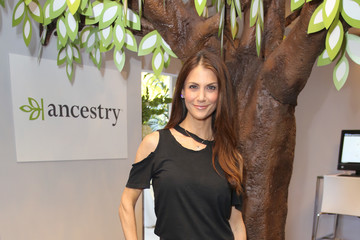 Samantha Harris HBO LUXURY LOUNGE Presented by ANCESTRY - Day 1