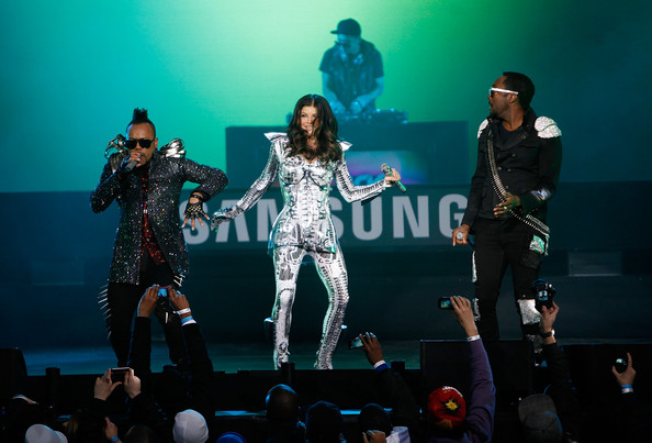 (L-R) Singers Apl.de.Ap and Fergie and Will.i.am of the Black Eyed Peas perform live at the Samsung Times Square Concert with THE BLACK EYED PEAS at Times Square on March 10, 2010 in New York City.