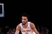 Courtney Lee #5 of the New York Knicks handles the ball during the game against the San Antonio Spurs on January 2, 2018 at Madison Square Garden in New York, New York. NOTE TO USER: User expressly acknowledges and agrees that, by downloading and or using this Photograph, user is consenting to the terms and conditions of the Getty Images License Agreement. Mandatory Copyright Notice: Copyright 2018 NBAE