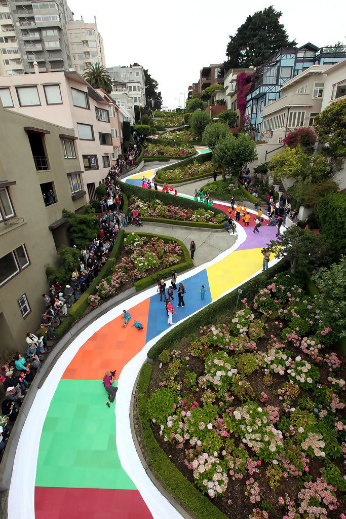 San Francisco S Lombard St Is Converted To World S Largest