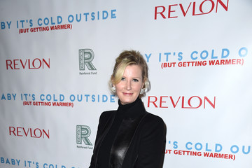 Sandra Lee 'Baby It's Cold Outside' - The 2016 Revlon Holiday Concert For The Rainforest Fund Gala