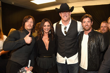Sara Evans 2015 CMT Music Awards - Backstage & Audience