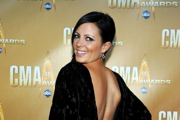 Sara Evans 44th Annual CMA Awards - Arrivals. Source: Getty Images