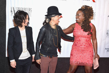Sara Gilbert Linda Perry Musicians Gather at the Songwriters Hall of Fame 46th Annual Induction and Awards