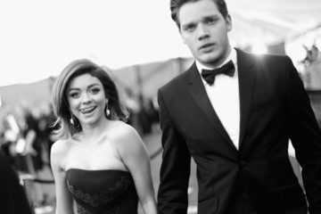 Sarah Hyland Dominic Sherwood An Alternative View of the 22nd Annual Screen Actors Guild Awards