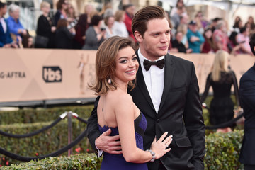 Sarah Hyland Dominic Sherwood 22nd Annual Screen Actors Guild Awards - Red Carpet