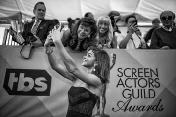 Sarah Hyland An Alternative View of the 22nd Annual Screen Actors Guild Awards