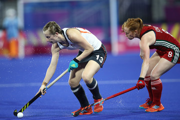 Sarah Jones Hockey - Commonwealth Games Day 2