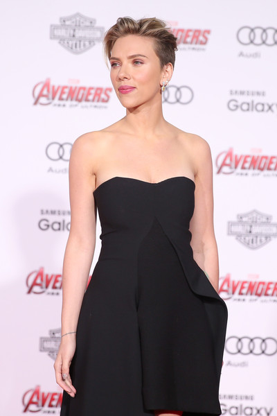 Premiere Of Marvel's 'Avengers: Age Of Ultron' - Arrivals [avengers: age of ultron,clothing,dress,shoulder,cocktail dress,strapless dress,little black dress,hairstyle,fashion model,joint,premiere,scarlett johansson,arrivals,california,hollywood,dolby theatre,marvel,premiere]