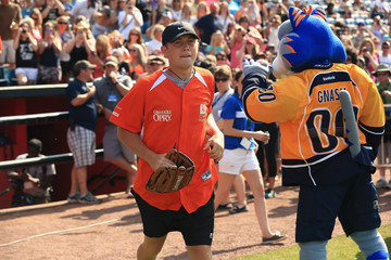 Scotty McCreery City of Hope Celebrity Softball Game at CMA Festival - Game