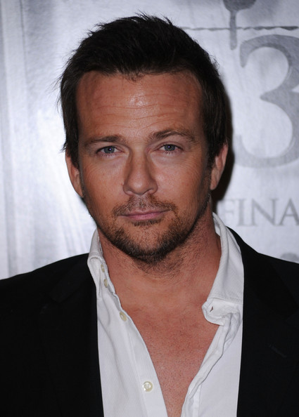 sean patrick flanery married