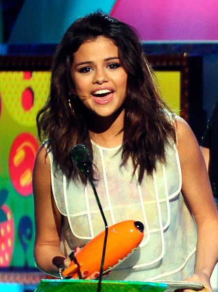 selena gomez kids choice awards 2011. Selena Gomez Actress Selena