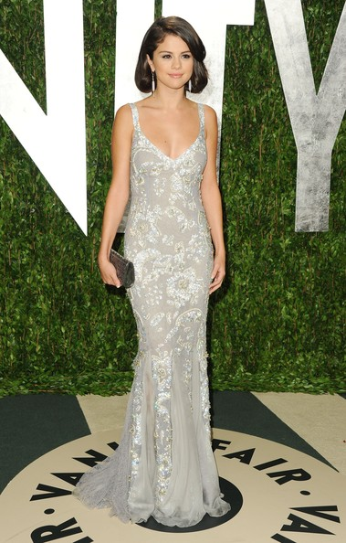 Selena Gomez - 2012 Vanity Fair Oscar Party Hosted By Graydon Carter - Arrivals