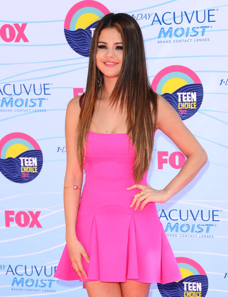 Selena Gomez - Teen Choice Awards 2012 - Arrivals