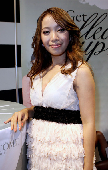 Michelle Phan In Sephora Times Square & Sephora 5 Times