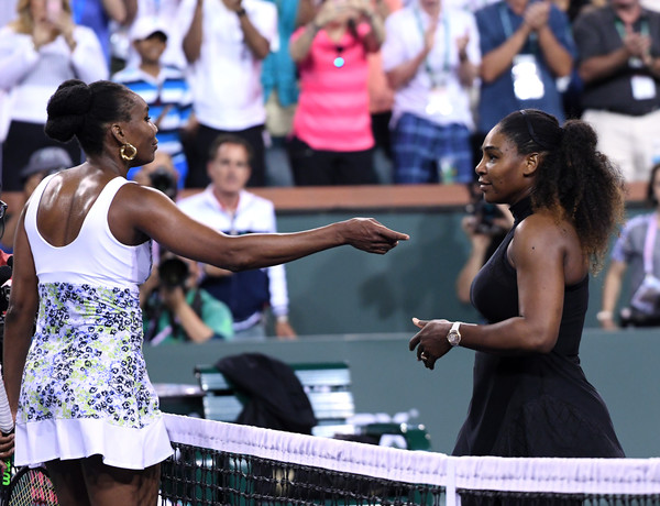 Roger Federer Pays Tribute To The Williams Sisters