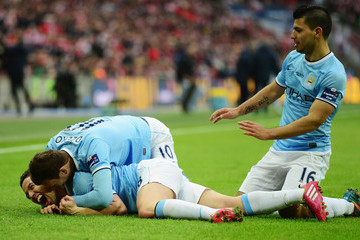 Sergio Aguero Edin Dzeko Manchester City v Sunderland - Capital One Final