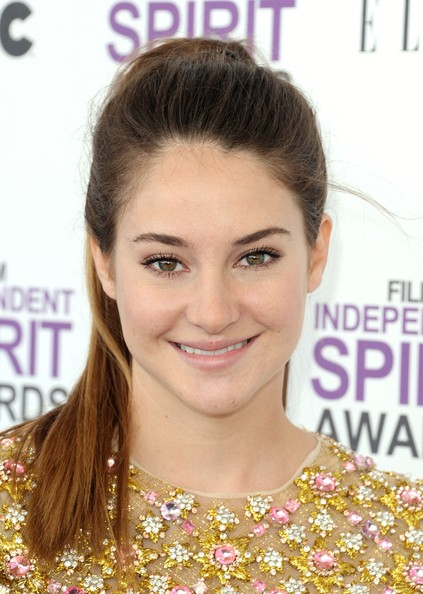 Shailene Woodley Actress Shailene Woodley arrives at the 2012 Film Independent Spirit Awards on February 25, 2012 in Santa Monica, California.