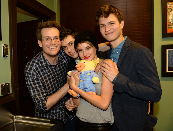 Shailene woodley and john green photos photos the fault in our the fault in our stars fan event in nashville m4hsunfo