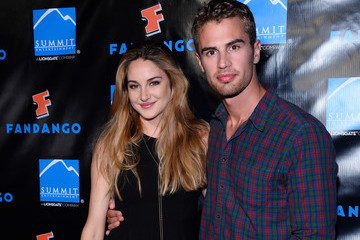 Shailene Woodley Theo James Comic-Con Arrivals for 'Ender's Game' and 'Divergent'