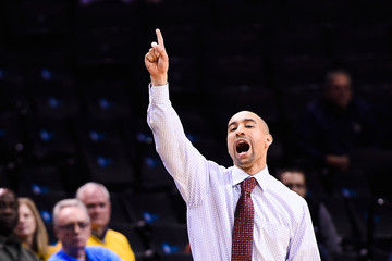 Shaka Smart Progressive Legends Classic