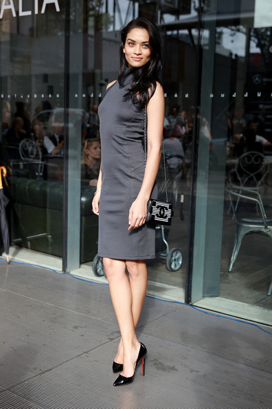Shanina Shaik Photos Photos Street Style At Mercedes