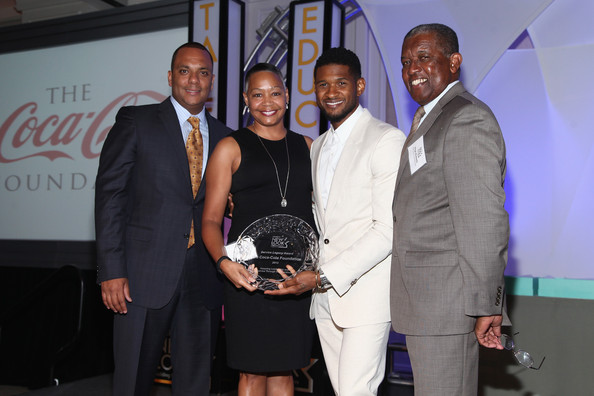 Usher Hosts a Luncheon in Atlanta [award,event,award ceremony,fashion,competition,ceremony,usher,shawn williams,lisa borders,virgil roberts,honoree,st. regis atlanta,new look foundation,chairman of the board,new look hosts 2013 presidents circle awards luncheon,presidents circle awards luncheon]