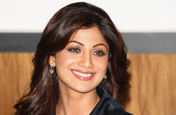 Shilpa Shetty Shilpa Shetty attends a photocall to launch a new product at The Tiffinbites Restaurant on August 24, 2009 in London, England.