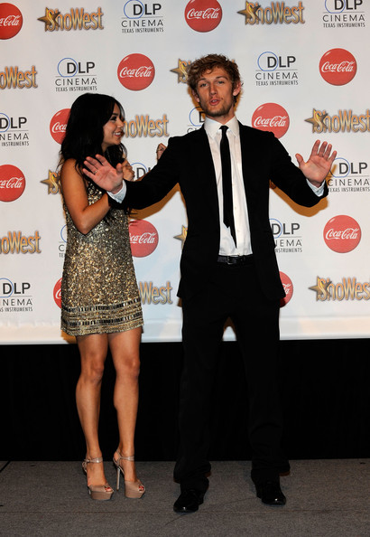 Vanessa Hudgens Actress Vanessa Hudgens (L), recipient of the Female Star of Tomorrow Award, and Alex Pettyfer (R), recipient of the Male Star of Tomorrow Award arrive at the ShoWest awards ceremony at the Paris Las Vegas during ShoWest, the official convention of the National Association of Theatre Owners, March 18, 2010 in Las Vegas, Nevada.