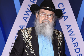 Si Robertson The 51st Annual CMA Awards - Arrivals