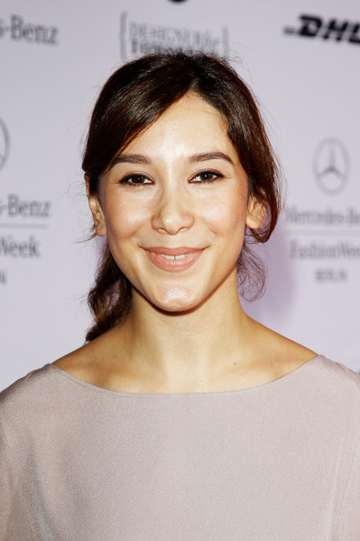 The 37-year old daughter of father (?) and mother(?), 163 cm tall Sibel Kekilli in 2017 photo