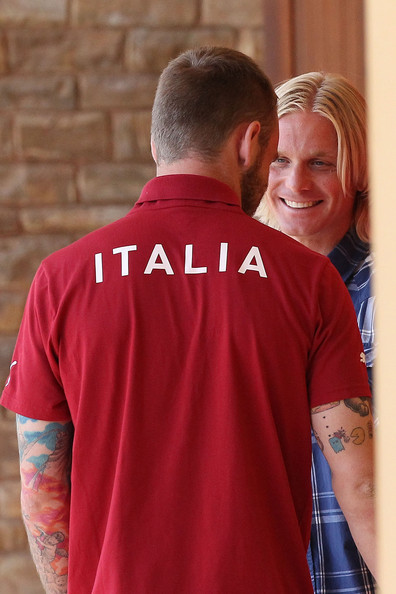 Italy Training Session & Press Conference [red,t-shirt,product,sleeve,polo shirt,neck,top,outerwear,shirt,love,simone farina,daniele de rossi,italy,gubbio,coverciano,florence,italy training session press conference]