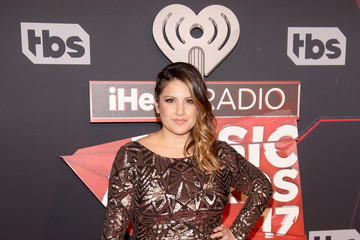 Sisanie iHeartRadio Music Awards - Red Carpet Arrivals