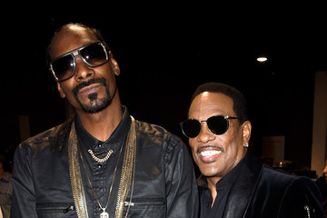 Snoop Dogg Charlie Wilson 2015 iHeartRadio Music Awards On NBC - Backstage And Audience