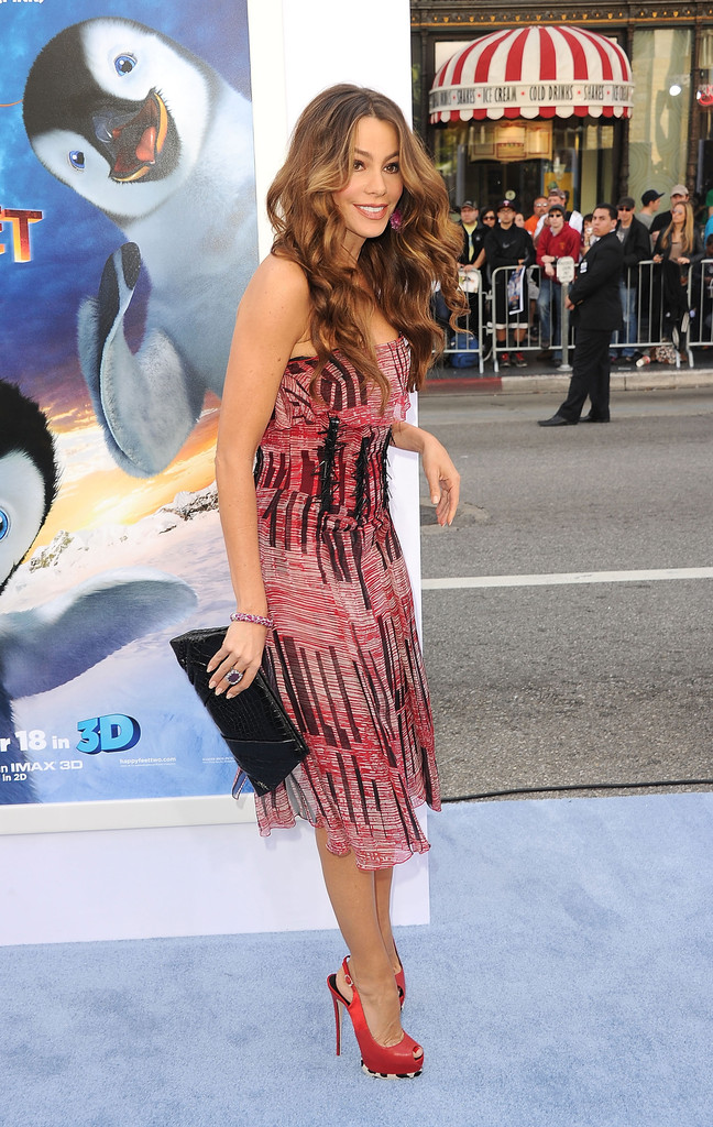 Julie Warner Feet http://www.zimbio.com/photos/Sofia+Vergara/Premiere+Warner+Bros+Pictures+Happy+Feet+Two/RR6b_yI6Uws