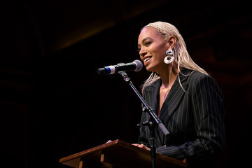 Solange Knowles Solange Knowles Honored As 2018 Harvard Artist Of The Year