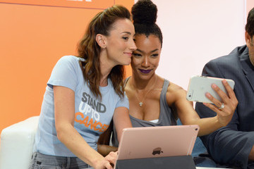 Sonequa Martin-Green Hollywood Unites for the 5th Biennial Stand Up to Cancer Event (SU2C), a Program of the Entertainment Industry Foundation (EIF) - Show