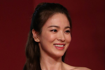 Song Hye-kyo 17th Shanghai International Film Festival - Red Carpet & Opening Ceremony