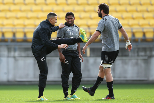 New Zealand All Blacks Training Session [player,team sport,sports,football,sport venue,sports equipment,football player,ball game,soccer,soccer player,sonny bill williams,samuel whitelock,waisake naholo,wellington,new zealand,westpac stadium,new zealand all blacks,new zealand all blacks training session,training session]