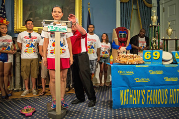 Sonya Thomas NYC Mayor De Blasio Hosts Nathan's Hot Dog Eating Contest Weigh In Ceremony