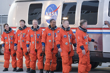 Al Drew Space Shuttle Astronauts Take Part In Countdown Demonstration Test