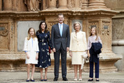 (L-R) Princess Leonor of Spain, Queen Letizia of Spain,  King Felipe VI of Spain, Queen Sofia and Princess Sofia of Spain attend the Easter Mass at the Cathedral of Palma de Mallorca on April 21, 2019 in Palma de Mallorca, Spain.