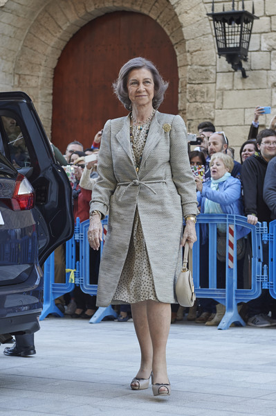 Queen Sofia attends the Easter Mass at the Cathedral of Palma de Mallorca on April 5, 2015 in Palma de Mallorca, Spain.
