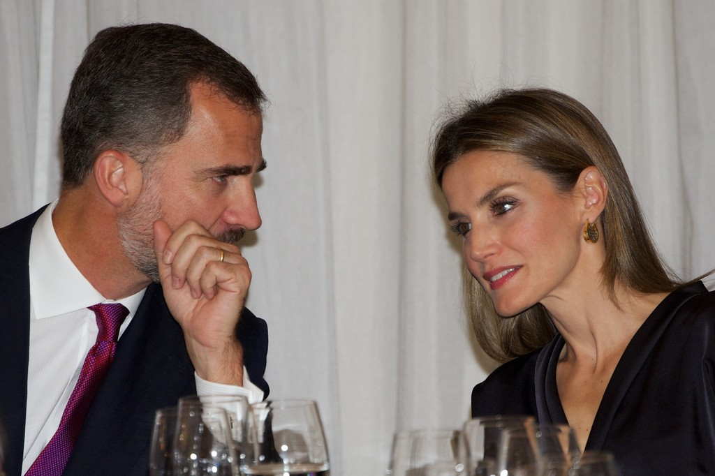 Letizia, Princesa de Asturias (III) (FORO CLAUSURADO) Spanish+Royals+Attend+Francisco+Cerecedo+Journalism+vwHsvrFoO3Cx